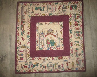 Rare square HERMES tapestry of Bayeux Edward Rex 1940 Pittner shaped silk (Damask Silk) in very good condition with its tag!
