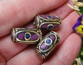 Howlite and lapis lazuli Nepali bead