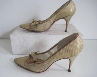 PALTER DeLISO Debs Shoes Pumps Heels Wedding Bridal Prom Gold VINTAGE Size 6.5 7 N A1916