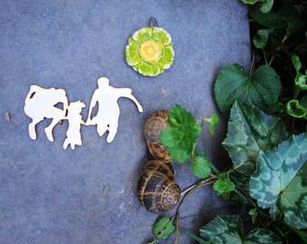 family wooden Littles 1971 embellishment