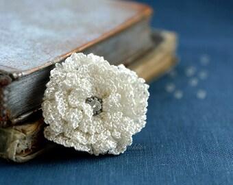 White crochet flower brooch,  accessory