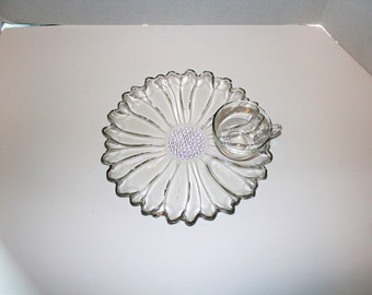 8 Pc Daisy Snack Set Anchor Hocking Luncheon Plates and Cups 1960s