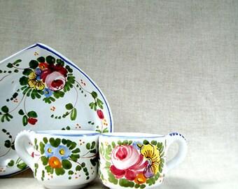 Set of Italian cups coffee for 2 in majolica ceramic .