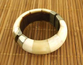 vintage. bangle. bracelet. boho. bohemian. boho chic. bone. horn. vintage jewelry. boho jewelry. white. silver. bangle bracelet. jewelry.