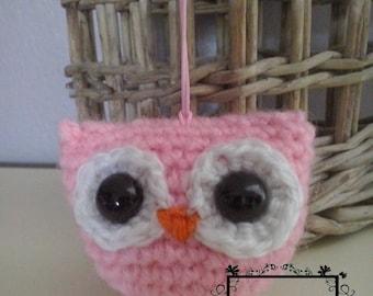 Amigurumi pink and white owl
