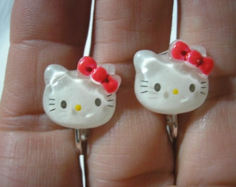 Play Earring - Clip or Pierced - Kitty - Clear White w/Red Bow - 1/2""