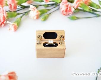 Oak - Slim Engagement Ring Box - Double-Hinged - Wanderweg Shop