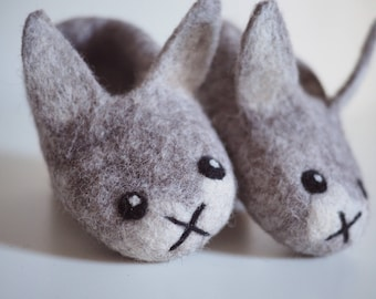 felted baby slippers gray bunny made with 100% alpaca fiber, ready to ship infant size 1.