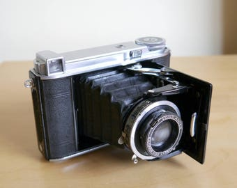 Vintage Voigtlander Bessa 66 120 folding 6 x 6 camera 1938