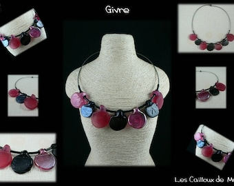 Necklace 'Frost' - FUCHSIA & Black - metallic hematite mounting