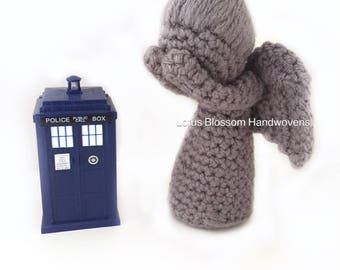Doctor Who, Weeping Angel crochet, Weeping Angel ornament, photo prop, Geeky Gift, Graduation Gift, Whovian gift, Christmas gift, statuette