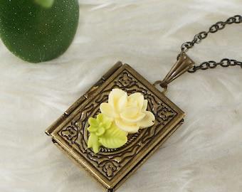 Necklace Locket Vintage Tea Rose, antique brass (#7130)