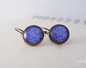 Boucles d'oreilles motif japonais vagues bleues