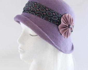 Lavender Cloche. Asymmetrical 1920s Style Flapper Hat. Vintage Style Millinery w/ Silk Tie Band, Cockade. Light Purple Cloche. Fur Felt Hat.