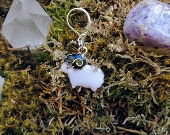 Enamel sheep: Stitch marker / Progress keeper by Star Fiber Studio