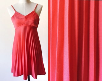 coral vintage dress // pleated dress // neon coral dress
