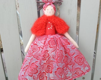 A handmade doll perfect for the romantic in you. Valentine