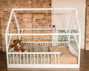 Montessori bed with removable railing, house bed design, BASIC + removable railing (all sides), DOUBLE, QUEEN, 135/140 x 190/200