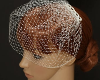 Birdcage Veil Blusher 10 Inches Pouf Style Blusher French Diamond Veiling on a Rhinestone Comb Bridal Veils Russian Net Veil