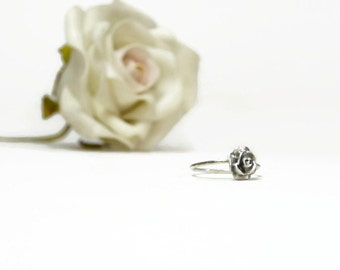 sterling silver flower ring, rose ring, elegant  ring, delicate ring, everyday jewelry, romantic gift for woman