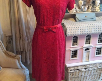 1950s red wiggle dress