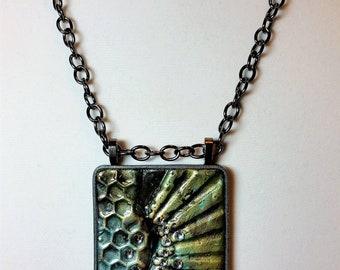 Radiant Texture Pendant Long Necklace
