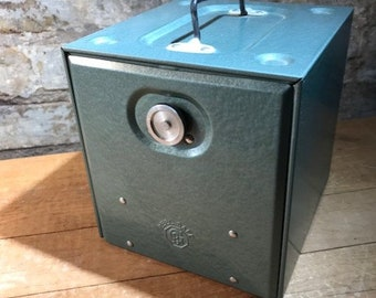 Reel Safe Metal 8mm Film Reel Storage and Carrying Box with 6 Film Reels
