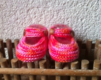 Baby booties: Ballet flats flanged pink handmade knit from 0 to 9 months