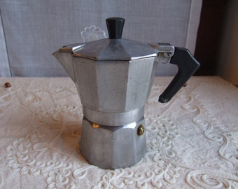 Italian espresso coffee maker - 5 cups. Stovetop moka maker