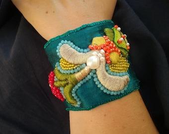 Silk handmade bracelet #002