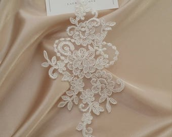 Ivory Lace applique, Ivory lace, French Chantilly lace applique, 3D lace, bridal applique, Applique M0043