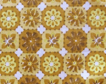 1950s Vintage Polished Cotton Fabric - Floral Geometric Print in Yellow, Gold and Light Brown - Vintage Yardage