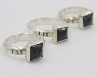 Stark-inspired ring with sterling silver band // Game of Thrones ring // House Stark // Black ring // Everyday ring // Black agate
