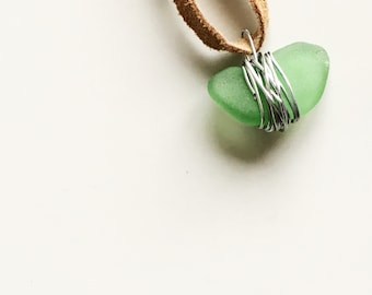 Seaglass necklace | suede lace - green light brown