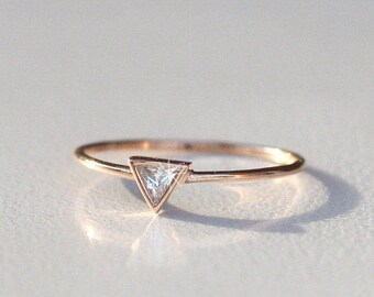 Triangle Ring Gold, Triangle ring with Diamond, Triangle engagement ring, Rose Gold Engagement Ring, Triangle Diamond Ring, triangle ring