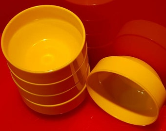 VTG 60s Dallas Ware Yellow Nesting Bowls B86