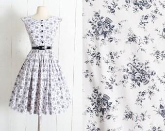 Vintage 1950s Dress | vintage 50s black white cotton rose basket novelty print dress | summer dress | xs/s