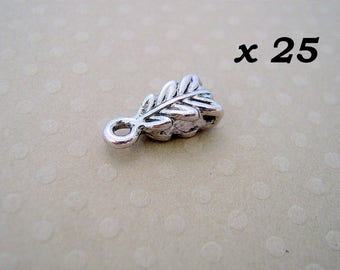 Set of 25 clasps 14mm - L25703 aged Silver Pendant