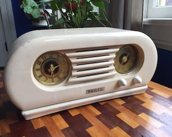 Vintage Philco Tabletop Tube Radio - Fully Functional - Excellent condition