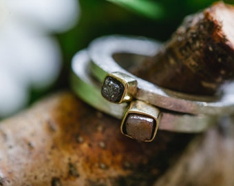 Delicate & narrow stacking rings with diamond in the rough