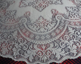 UNUSED Extra Fine Quality Round Quaker Lace Tablecloth 70""