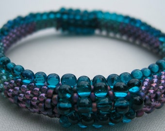 Bead Crochet Bangle Pattern:  Dots and Drops Bead Crochet Pattern