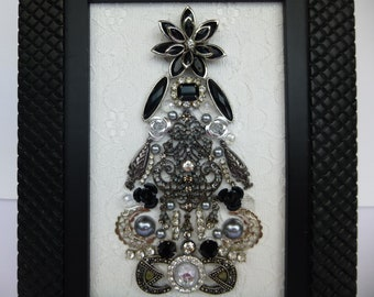 Vintage jewelry Christmas tree, framed Christmas tree art, vintage jewelry framed art