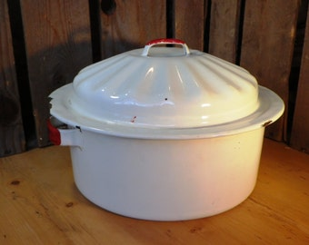 Vintage French enamel roaster or casserole vintage kitchenalia vintage kitchen