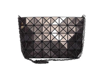 Geometric hand bag, geometric handbag, dark grey handbag, dark grey shoulder bag, geometric handbag, casual handbag, modern handbag
