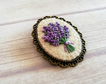 Lavender Brooch, Gift for grandma, gift for aunt, Gift for gardeners, Embroidered Floral Brooch, Lavender Flower Jewelry, Mothers day gift