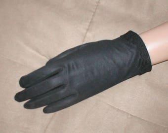 Vintage Black wrist length Dress Gloves from 1940's