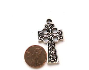 Antiqued SIlver Metal 40mm x 25mm Cross Pendant, 1015-16