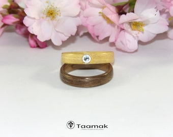 Wedding ring engagement in walnut and Maple with a diamond-rings-wood-made to the handmade bentwood ring
