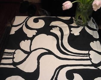 Vintage Tablecloth Black-white Seventies